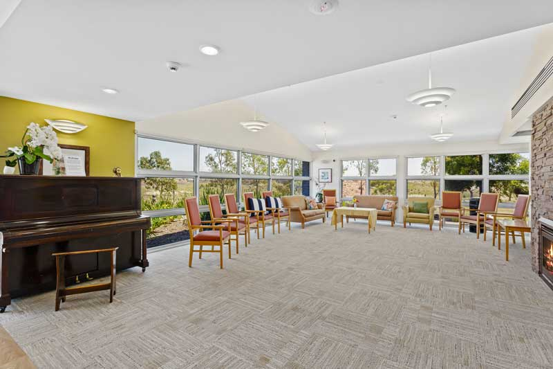 Doutta Galla Avondale - living and recreation room with piano