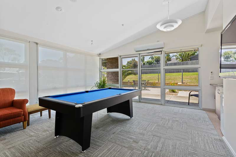 Doutta Galla Avondale - pool table and recreation room